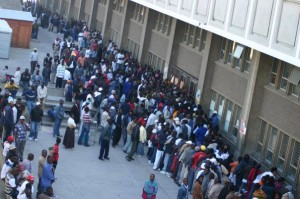 Chaos at refugee reception centre in Cape Town, 2008