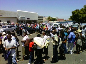 Queue for ZDP outside Wynberg Home Affairs Office